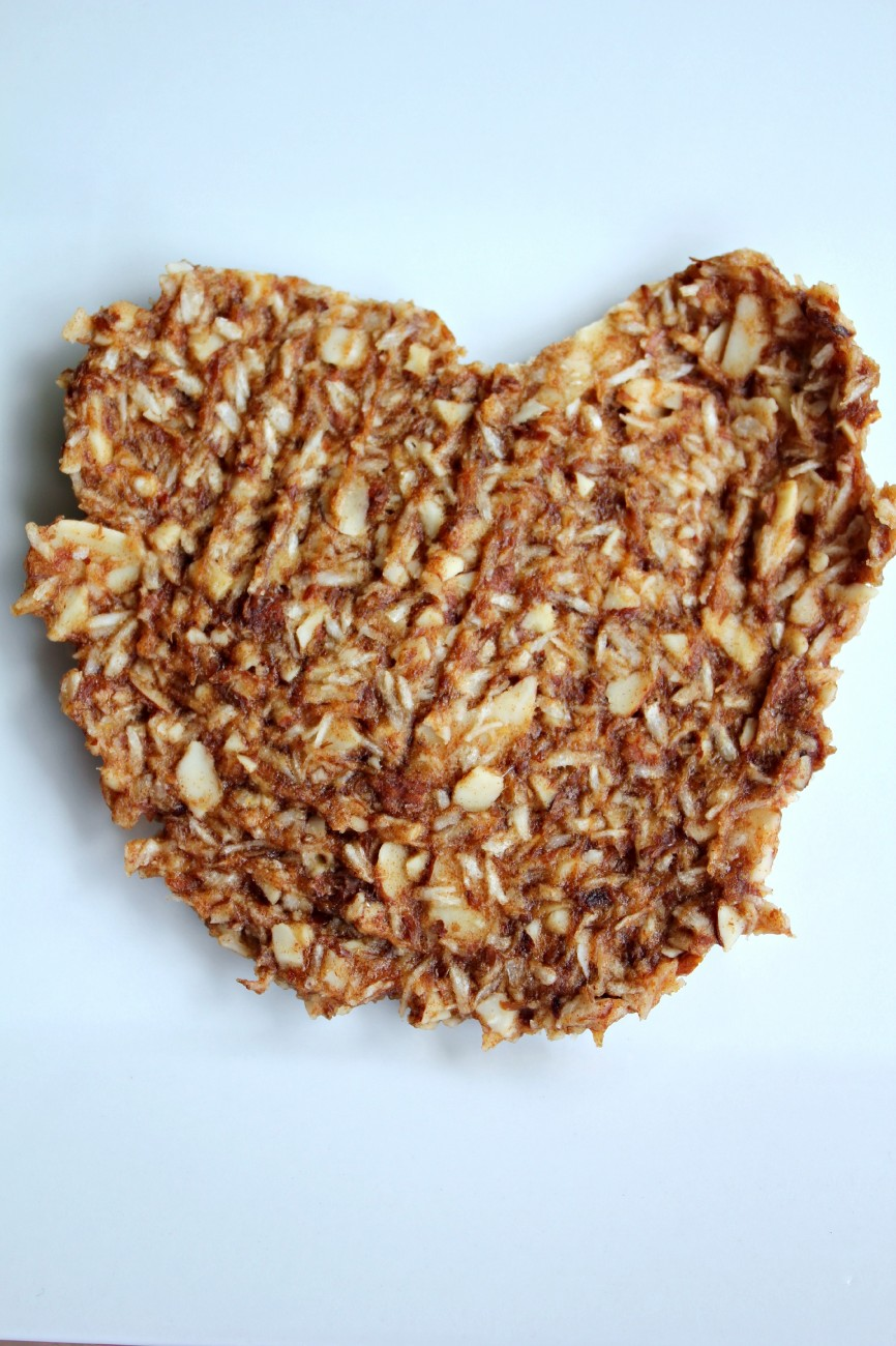 Everyone loves a sweet and crunchy snack. This Banana Nut Brittle recipe has no added sugar, it is made with all REAL ingredients, and it is darn good.