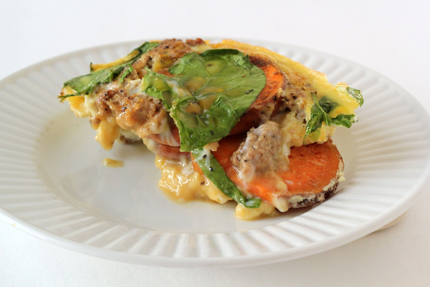 Paleo Breakfast Casserole : the perfect breakfast, served hot or cold