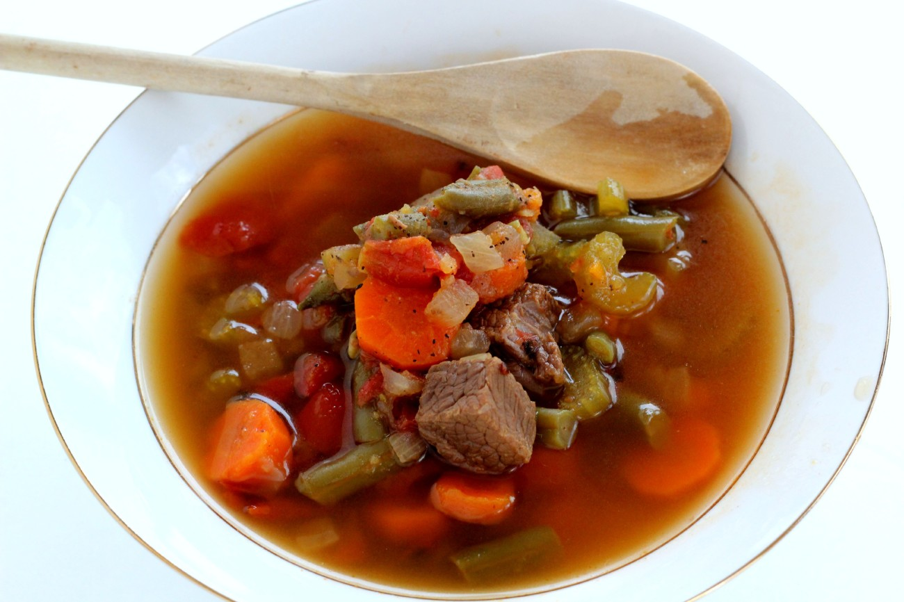 This Paleo Vegetable Beef Soup is so delicious and easy to make!
