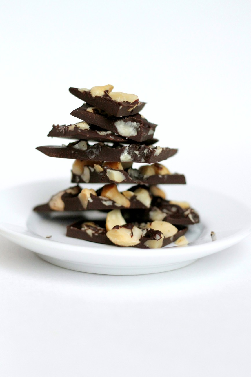 Watch out! This Paleo Dark Chocolate Bark is like crack! And so easy to make.