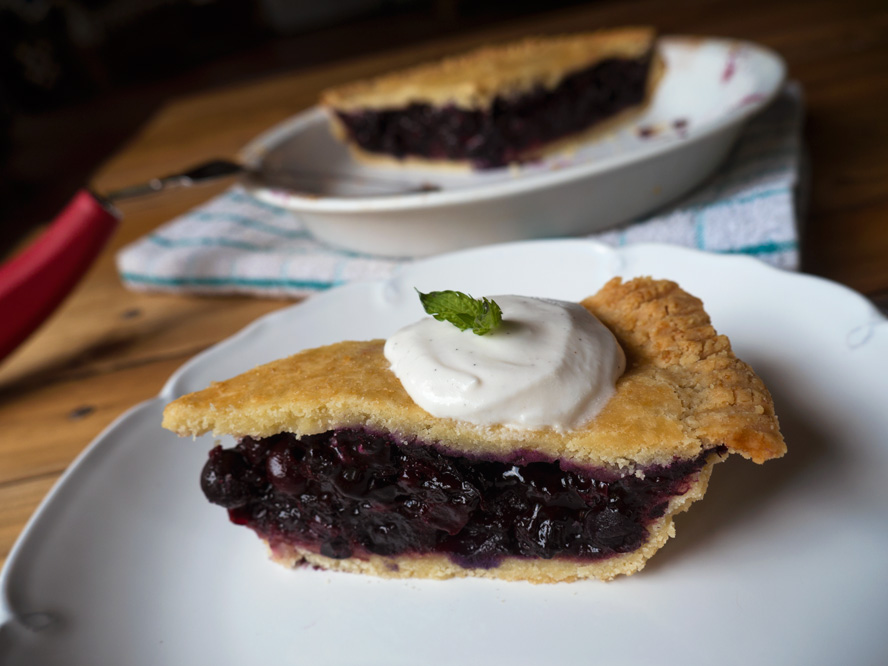 Black N' Blueberry Pie