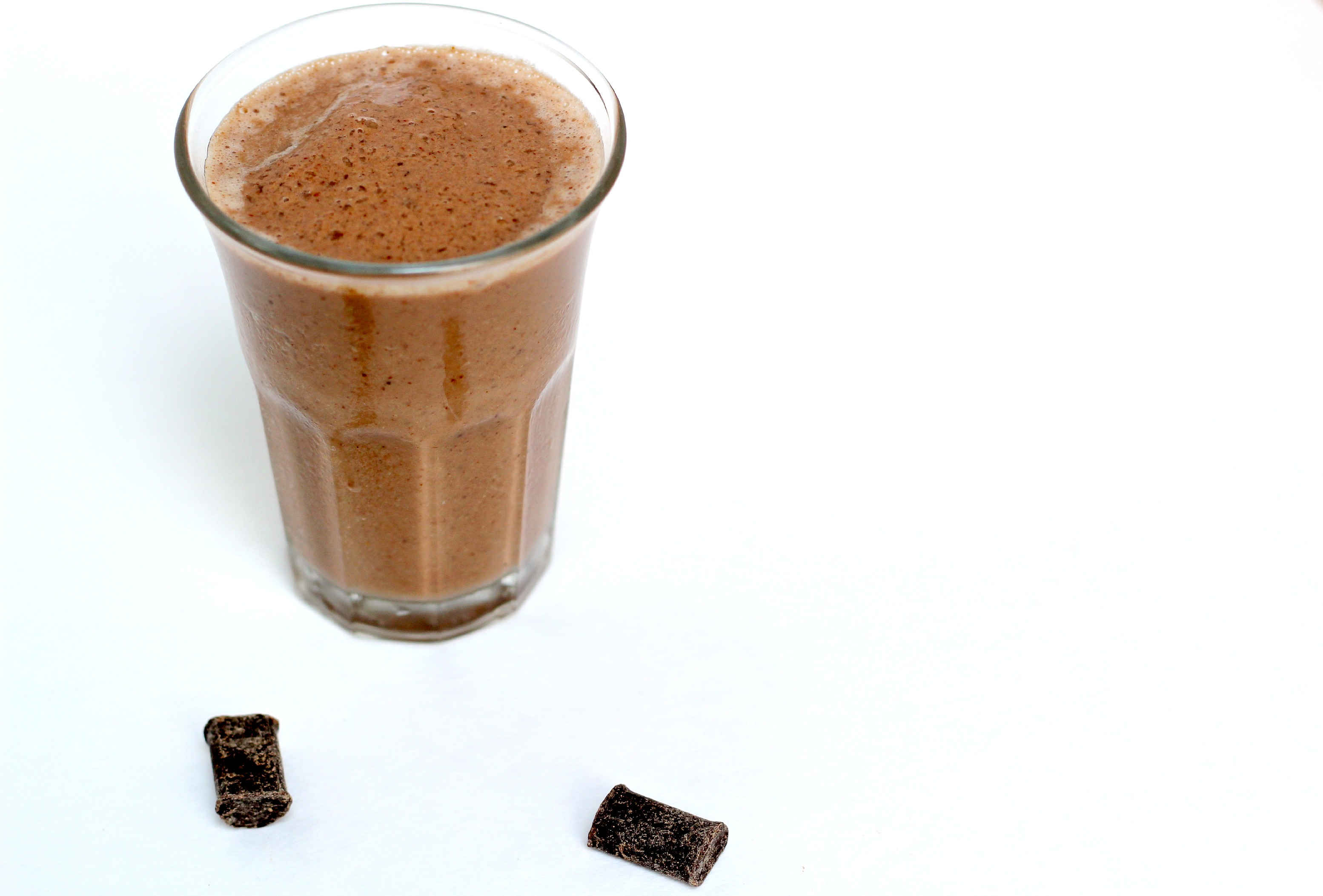 This Paleo Chocolate Smoothie is just like dessert!